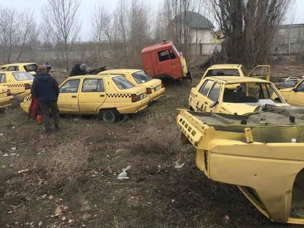 В Запорожской области обнаружено целое кладбище ЗАЗов