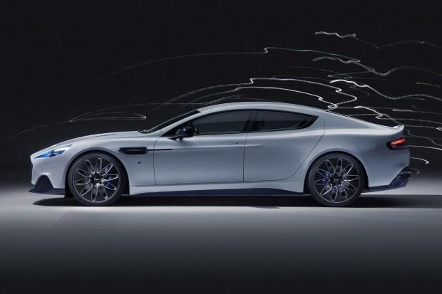 Aston Martin отказался от выпуска первого электрокара Rapid E