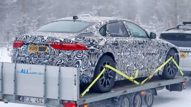 Jaguar приступил к тестам XJ нового поколения