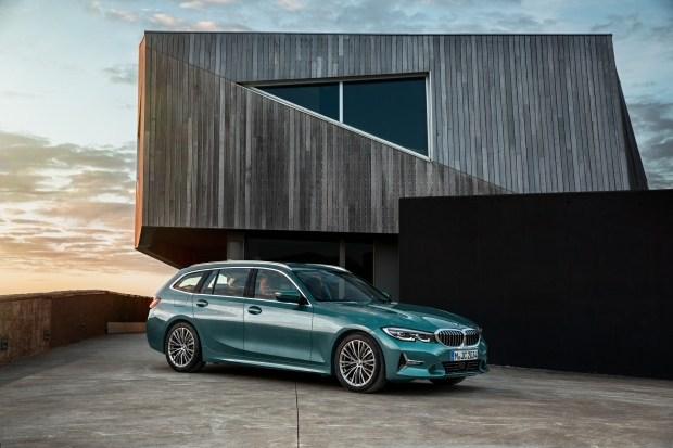 Дизельные BMW 3 Серии и кроссоверы X3 стали умеренными гибридами