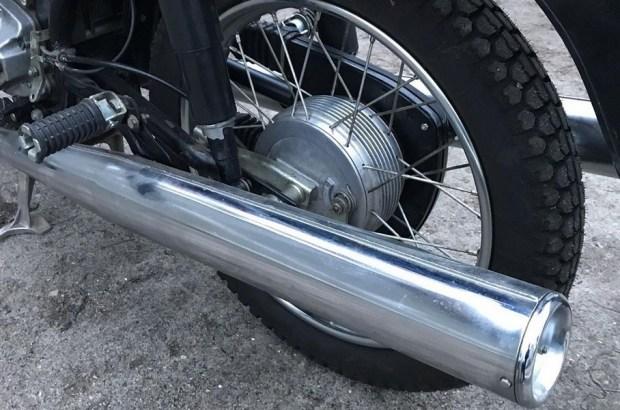 В гараже спустя 29 лет нашли новый мотоцикл «Ява»