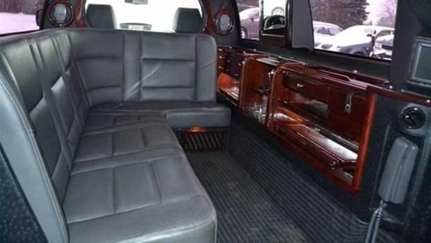 Десятилетний кроссовер Subaru превратили в лимузин