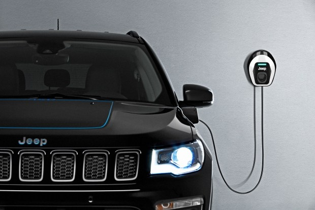 Jeep Renegade 4xe и Compass 4xe электрифицировалась для Европы