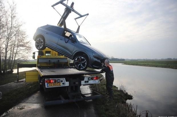 Кроссовер за 250 000 евро утопили почти сразу после покупки