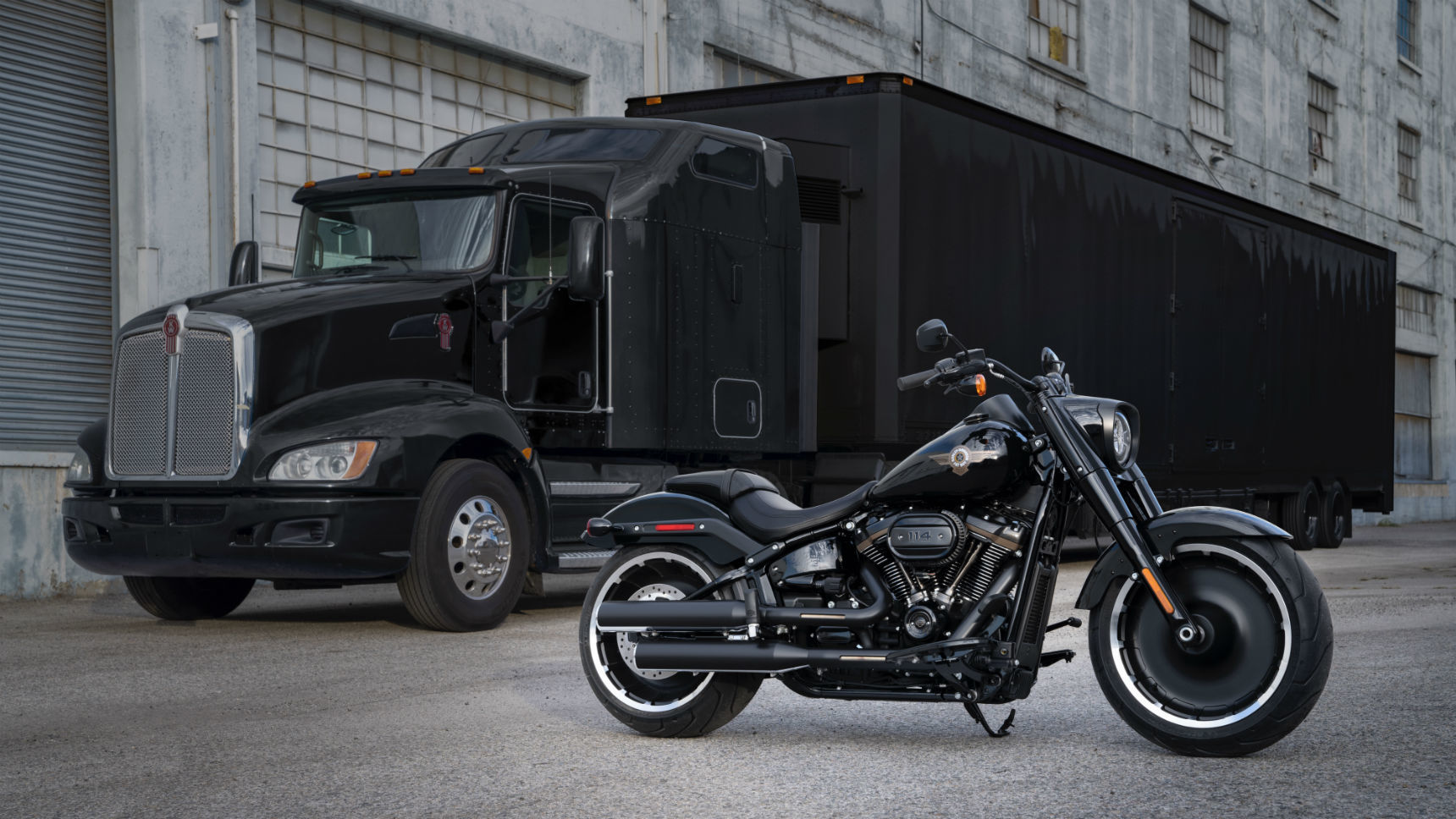 Harley-Davidson представил юбилейного