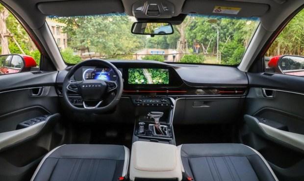 Британская марка MG собирается презентовать большой кросс-лифтбек на Auto Expo 2020