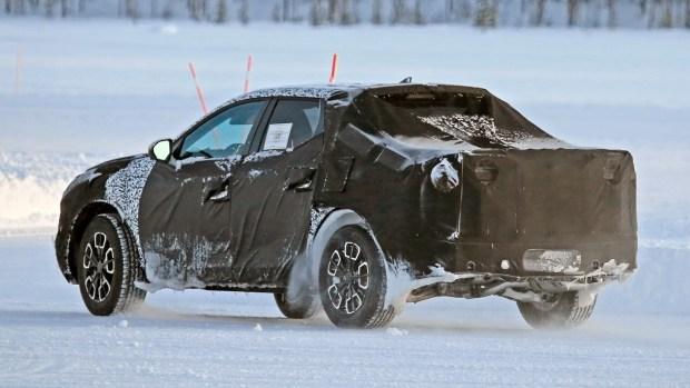 Пикап Hyundai впервые сфотографировали во время испытаний