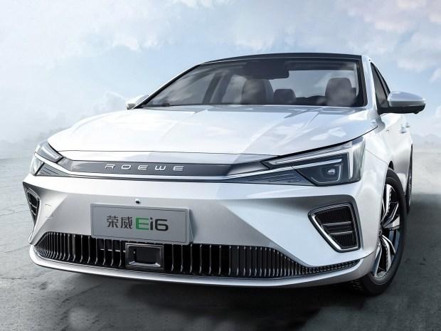В Китае создали соперника Skoda Octavia с электромотором
