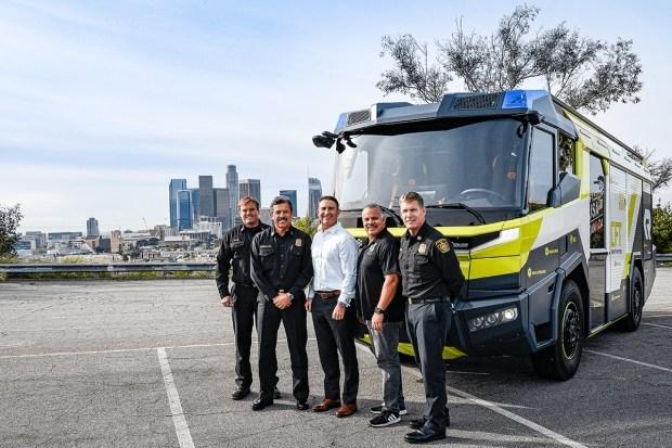 Первая в США пожарная машина на электротяге обошлась в 1.2 млн долларов
