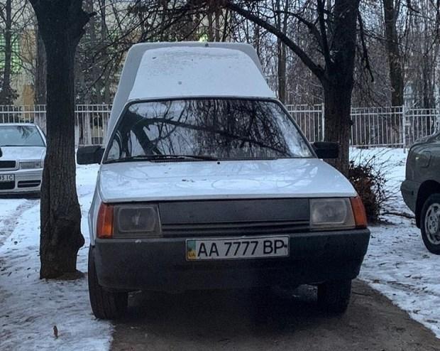 В Украине засветился  «Ланос» с необычными номерами