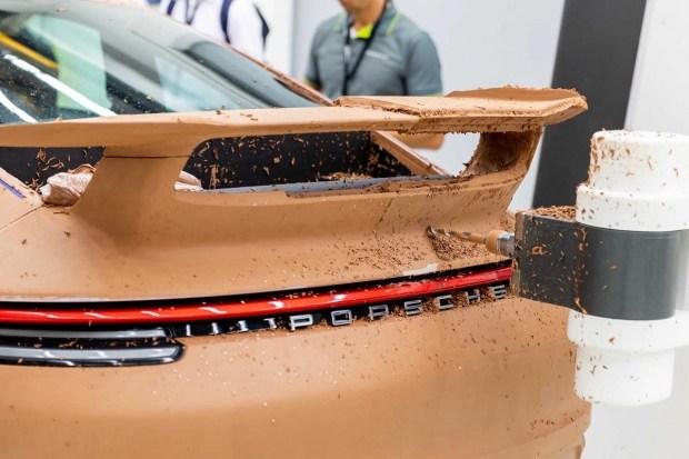 Новый Porsche 911 обзавелся аэродинамическими улучшениями
