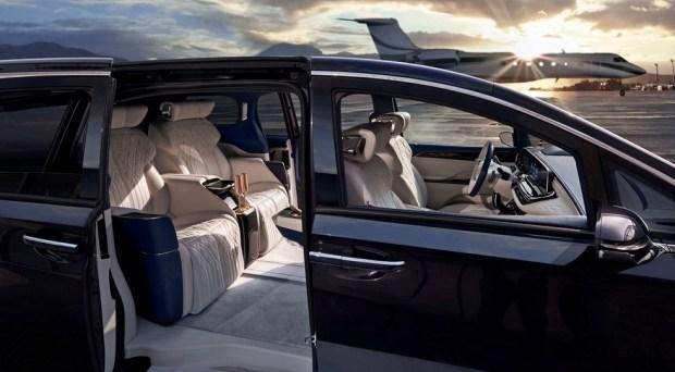 Buick подготовил свой ответ минивэну Lexus: роскошный GL8 стал четырехместным