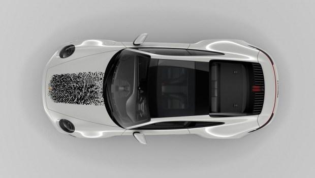 Отпечаток пальца на капоте Porsche. Теперь оставить след в истории – просто