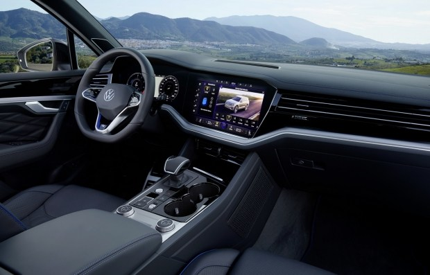 Volkswagen представил «заряженную» R-модификацию кроссовера Touareg
