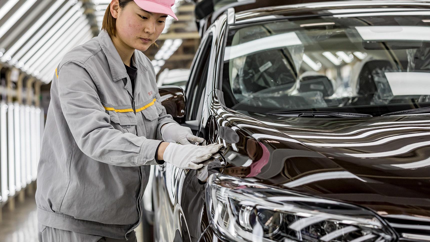 Как российские и мировые автозаводы переживают китайский кризис