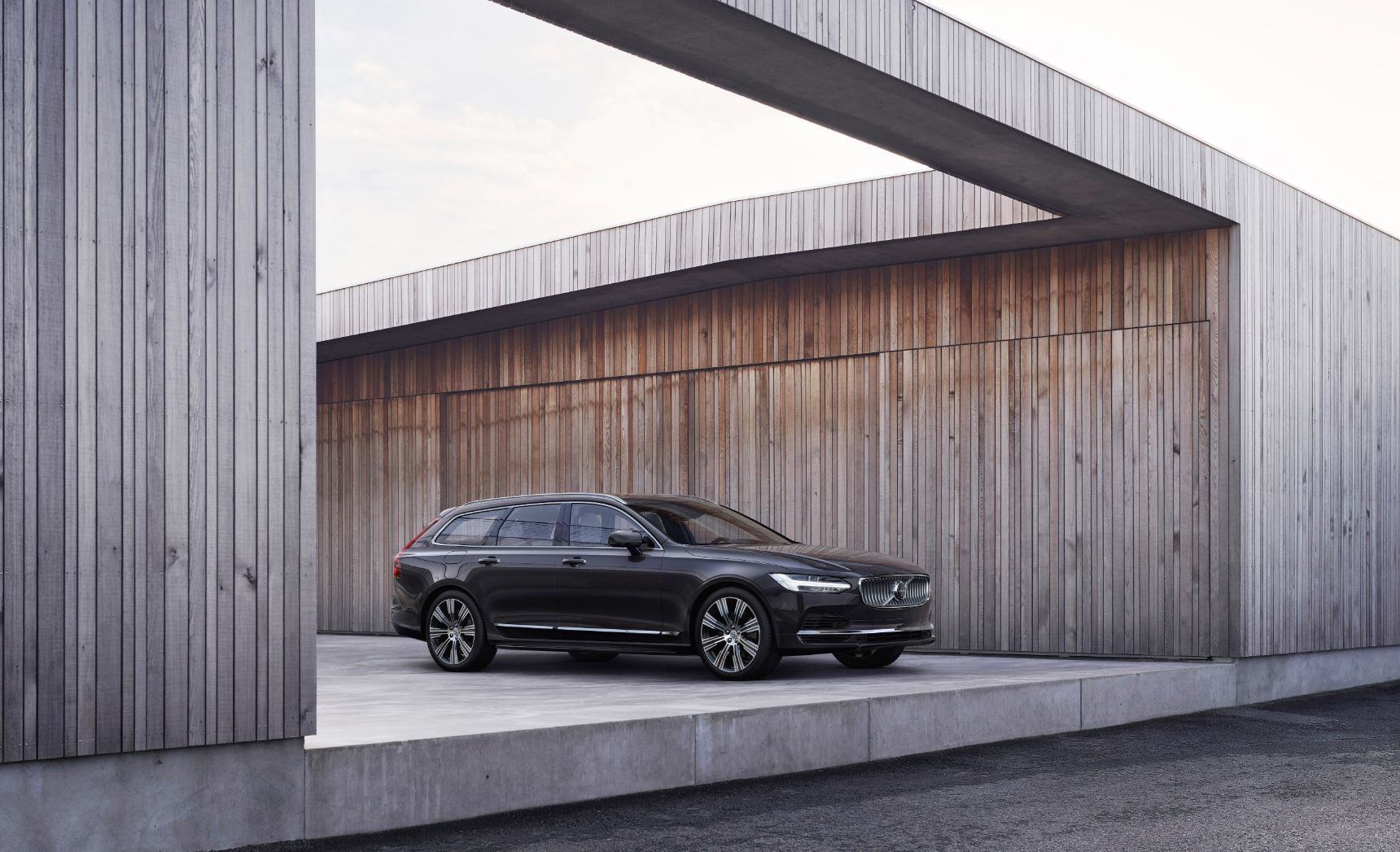 Volvo представила обновленные флагманы S90 и V90