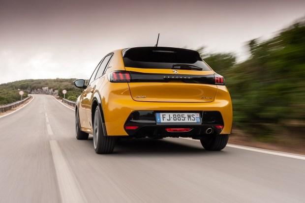 Лучший среди лучших – PEUGEOT 208 назван Автомобилем года 2020 в Европе