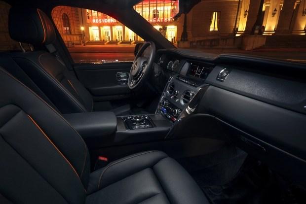 Rolls-Royce Cullinan приобрел неожиданную внешность и стал мощнее