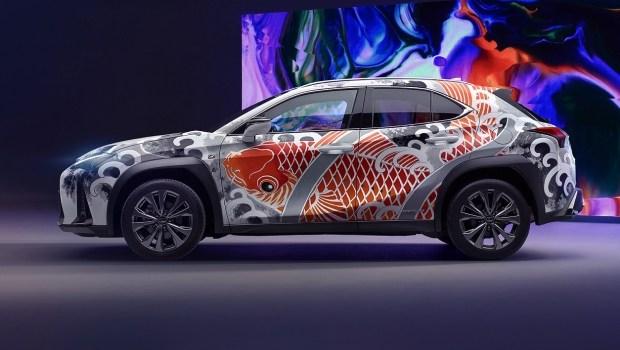 Lexus представил первый в мире татуированный автомобиль