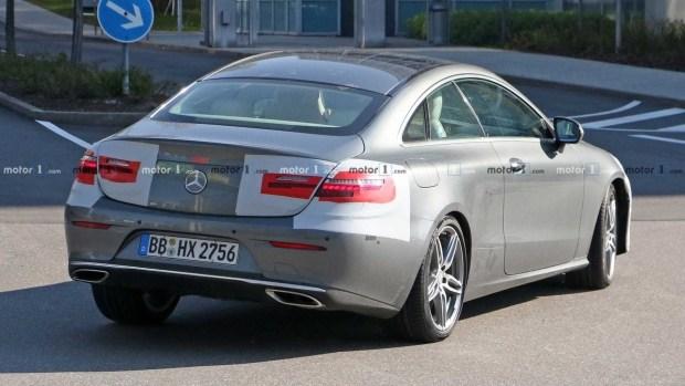 В Германии заметили обновленное купе Mercedes-Benz E-Class почти без камуфляжа