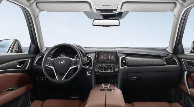 Honda обновила купеобразный кроссовер Avancier