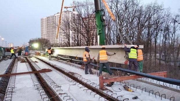 В Киеве выполняют ремонт 17 объектов дорожной инфраструктуры