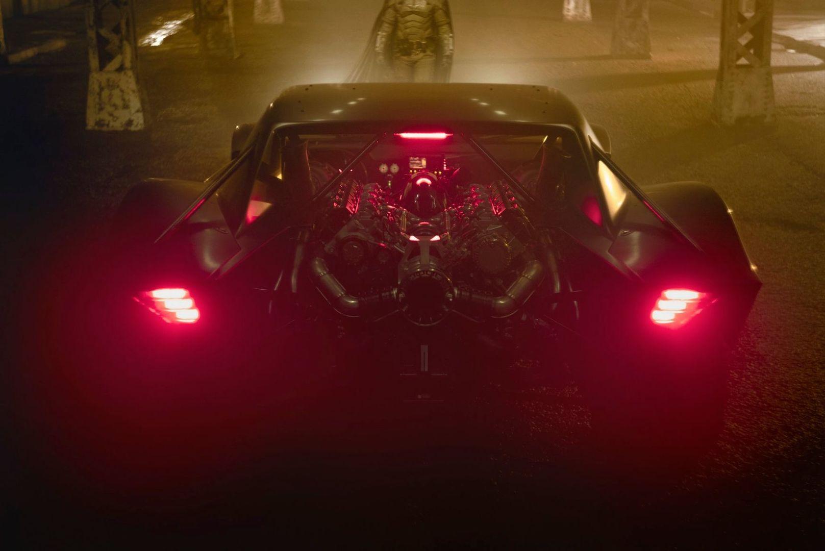 Опубликованы первые фото нового Бэтмобиля