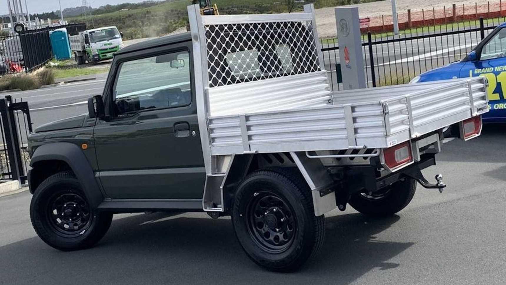 Малыша Suzuki Jimny превратили в грузовик