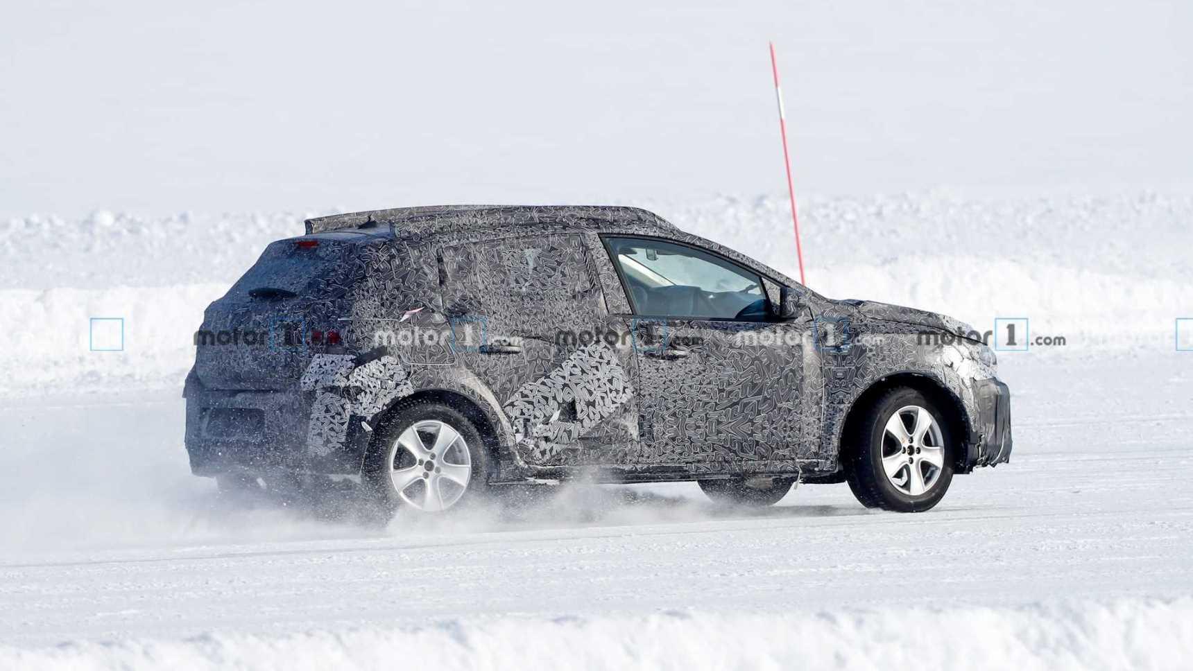 Абсолютно новые Sandero Stepway и Logan дали жару на снегу