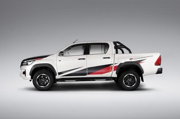 Круче чем Raptor? GR-версия Hilux может получить мощный и тяговитый V6