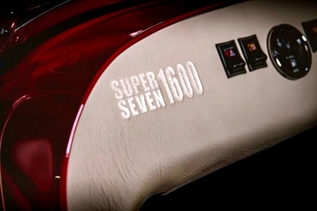 Звук из прошлого: новый Caterham Super Seven 1600