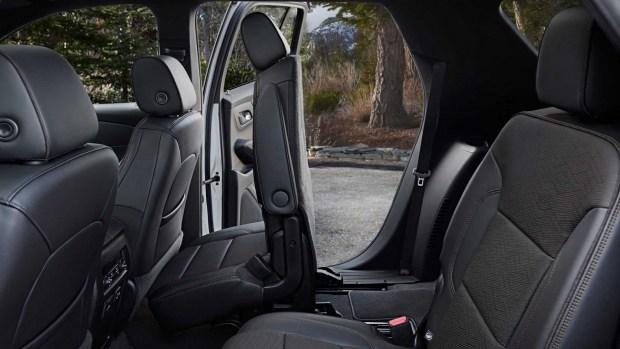 «Задержка» у Chevrolet: обновленный Traverse появится через год