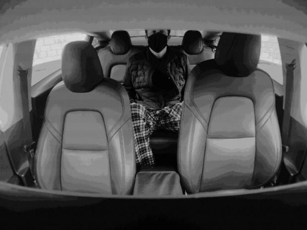 «Home video» от Tesla: Маск раскрыл загадку скрытой камеры в Model 3