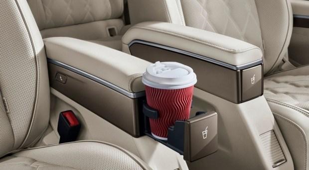 Бизнесвэн для бизнесменов: VW Viloran - новые подробности