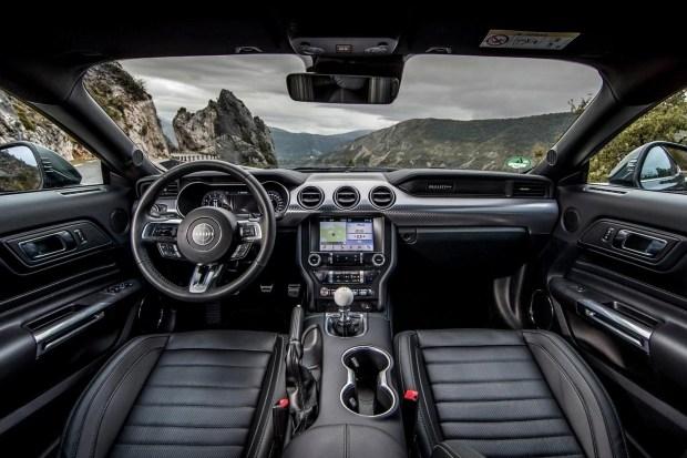 Mustang - самый продаваемый спорткар в мире!