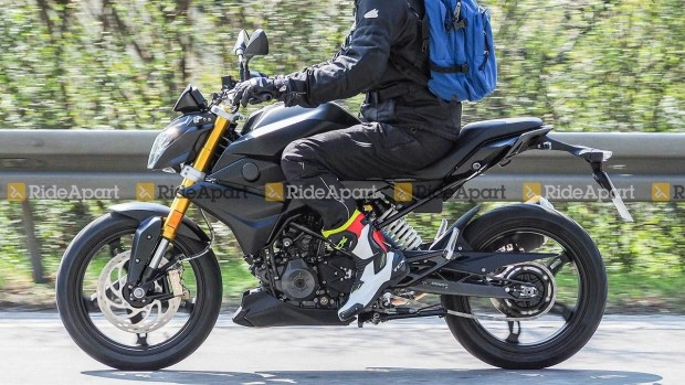 BMW обновит мотоциклы G310R и G310GS