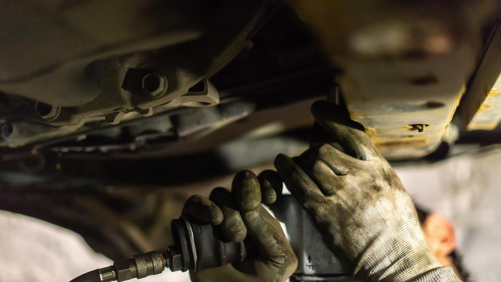 Какие опасности таит обычная защита картера двигателя