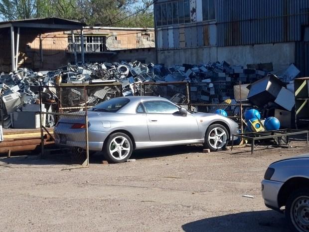 Mitsubishi FTO: редкий спорткар на свалке в Украине
