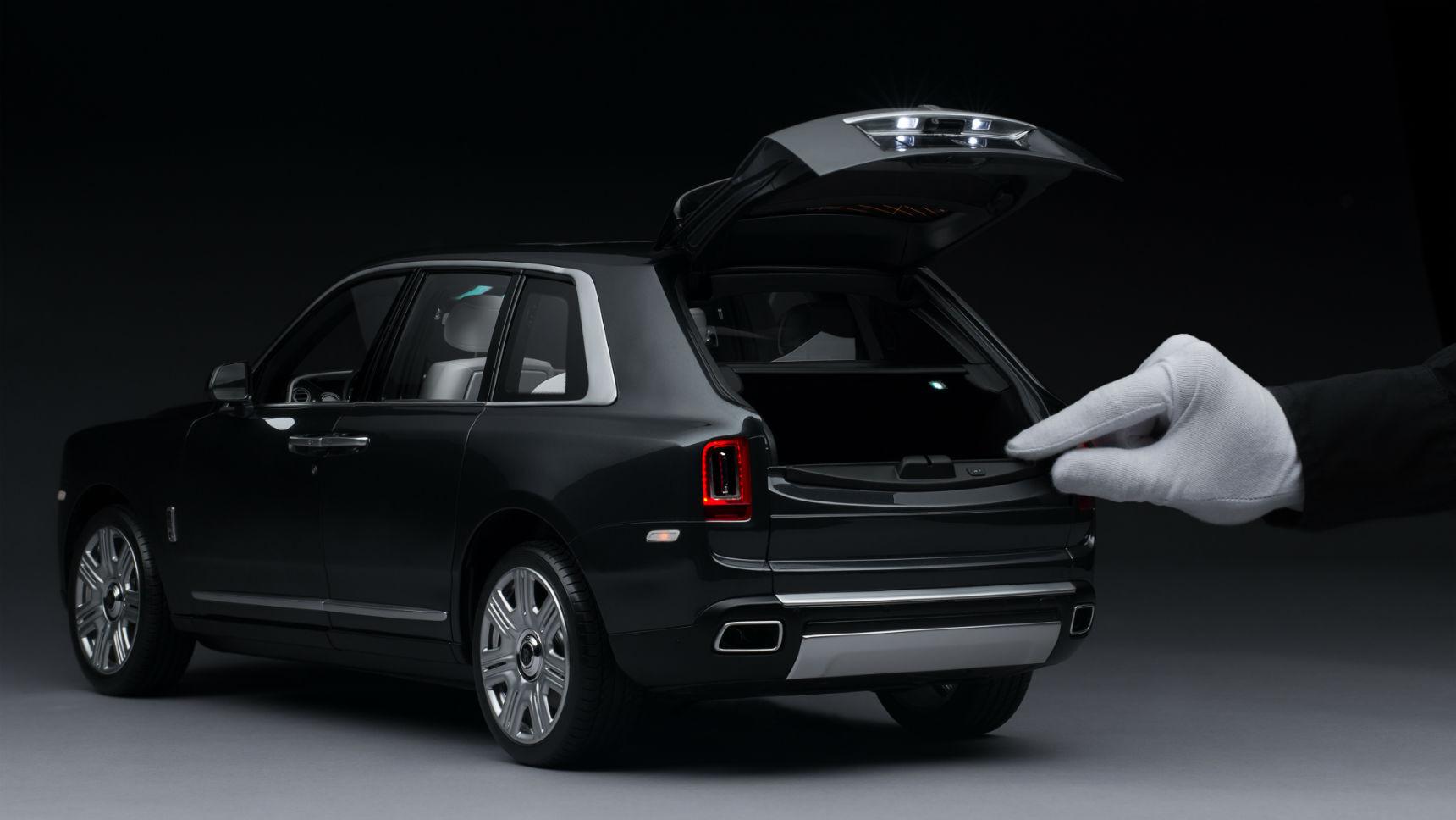 Цифра дня: На сборку масштабного Cullinan Rolls-Royce тратит сотни часов