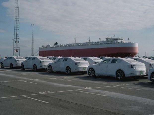 Электрокары Polestar 2 начали поставляться в Европу