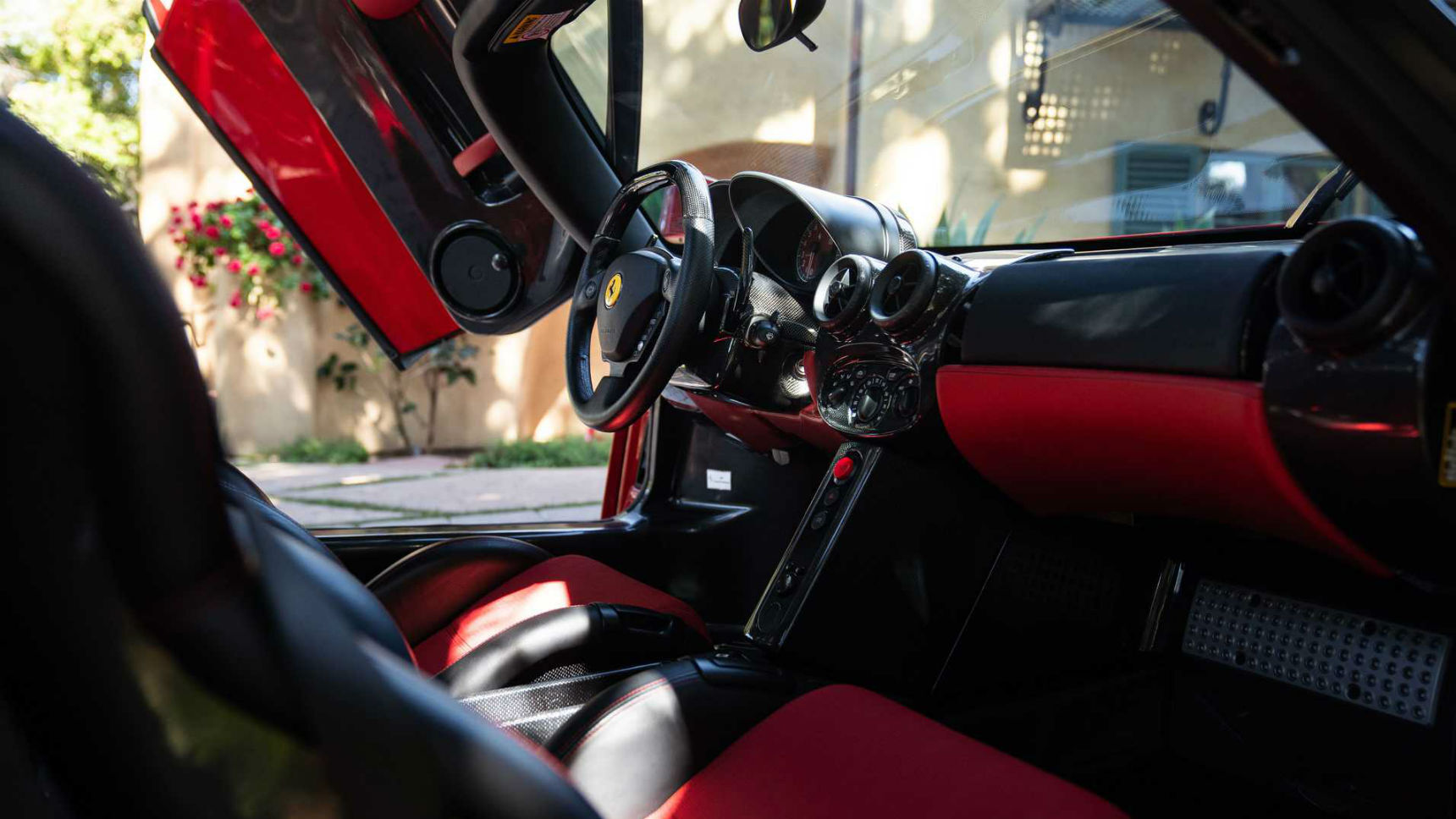 Цифра дня: эксклюзивный Ferrari Enzo продан за рекордную сумму