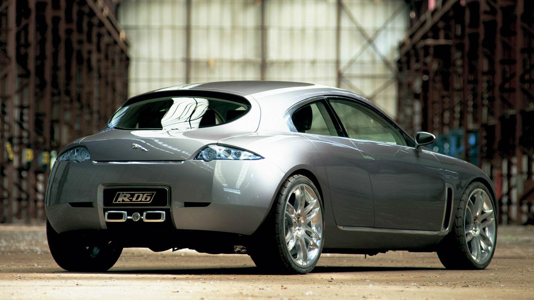 На смену двум седанам Jaguar придет один хэтчбек