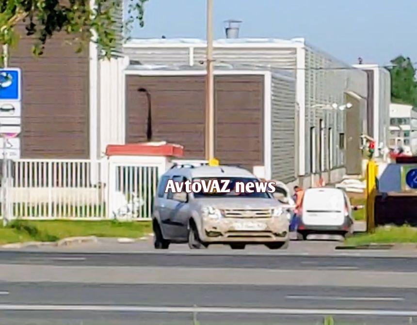 На АвтоВАЗе тестируют новый Largus с оснащением от Renault и Xray