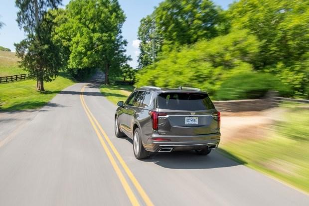 Cadillac XT6 станет более доступным