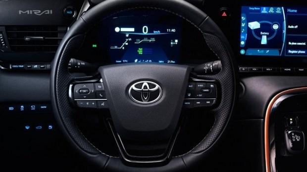Новая Toyota Mirai дебютирует осенью