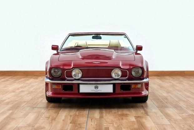 Раритетный Aston Martin Дэвида Бекхэма сменит владельца