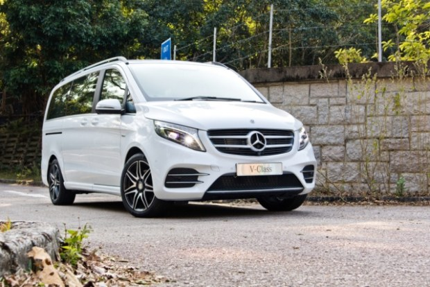Mercedes отзывавет 669 тыс. авто