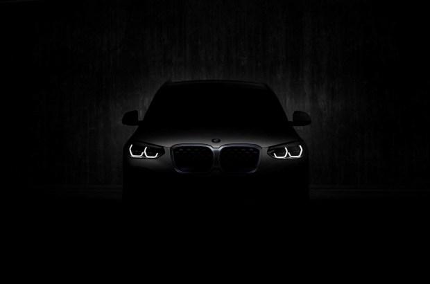 BMW назвала дату дебюта электрического кроссовера iX3