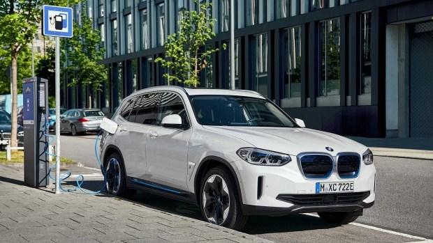 BMW X3 официально лишился ДВС