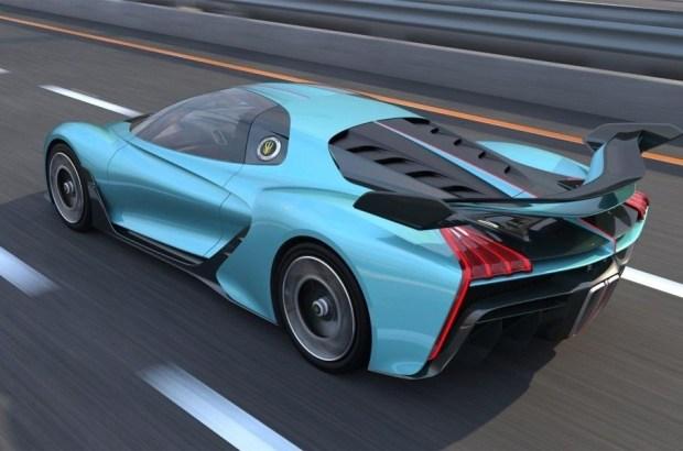 Китайский HongQi расправится с Bugatti?